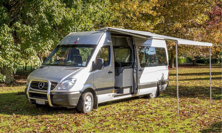Deluxe Camper Vanco Motorhomes
